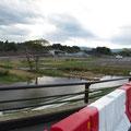 1301 2線提から見た富岡駅(富岡駅~2線堤間は防災林か)
