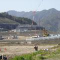 278 鵜住居地区の嵩上げ工事と小中一貫校の建設現場