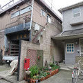 家屋が古いことと同時にブロック塀の構造そのものが不安
