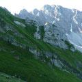 Blick zum Walser Geißhorn und in die begrünte Flanke des Elferkopf