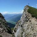 Gratzacken mit Gipfelkreuz des Pleisköpfl