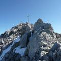 Kurz vor dem Gipfelkreuz der Holzgauer Wetterspitze