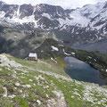 Hintergrathütte mit Hintergratsee und Talschluß
