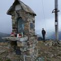 Am Gipfel der Ilmenspitze mit Marien - Altar