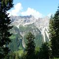 Beim Aufstieg zur Vorderüntschenalpe.Blick zur Hochkünzelspitze