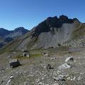 Blick zur Alplespleisspitze.Dahinter die Vallesinspitze und der Stanskogel