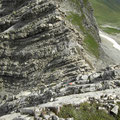 Gratabschnitt über gestuften Fels