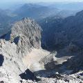Blick ins Höllental mit Großer und Kleiner Riffelwandspitze