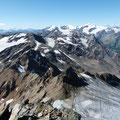 Links.Die Eggenspitzen,die Lorchenspitze und die Weißbrunner Spitze
