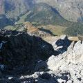 Der gesamte Abstiegsweg vom Gipfel gesehen