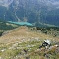 Abstieg vom Pederköpfl mit Blick zum Zufritt Stausee