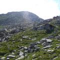 Der letzte Anstieg über Schrofen zum Gipfel