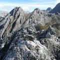 Am Gipfel des Vorderen Drachenkopf mit Blick zu den beiden Tajaköpfen