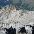 Der Gipfelbereich der Wannenspitze mit einem Teil des Steiges