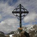 Das kleine Gipfelkreuz.