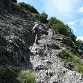 Aufstieg über Schotterkehren