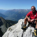 Karl am Gipfel mit Blick in den Vinschgau