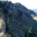 Einblick in die Nordseite mit Aufstiegsweg vom Höhenweg