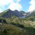 Blick ins Steinkar mit dem Massiv der Knittelkarspitze