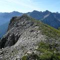 Gipfelbereich Schänzlespitze.Im Hintergrund,die Rosszahngruppe.