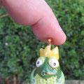 Froschkönig auf vergoldetem Wechselstab