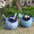 Dicke blaue Frühlingsflattervögel