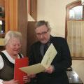 Ehrung durch Prof.Ernst Wedam, Landeschorleiter und Ehrenchorleiter von KV