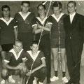 1964 Meister der Landesliga: Stehend v.l.: Horst Cramer, Walter Kreutzer, Rainer Matheis, Kurt Würth, Herbert Weber. Kniend v.l.: Rolf Düster, Günther Kreutzer.