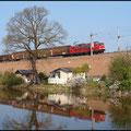Der VW-Zug mit BR 155 konnte im Original und im Spiegelbild am 21.04.2011 in der Stadtlage Hilbersdorf fixiert werden.
