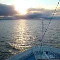 """2010-07-02 Richtung Svalbard (Spitzbergen) - NOR:  """"um 01:25 nach der Pianobar? """" - © reinhard uhlich"""