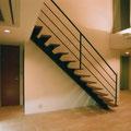 吹き抜けリビングの階段