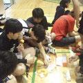 練習後全員で食べました。