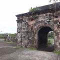 Und der Burgmauer