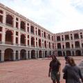 Arkadenhöfe, viele Museen und Ausstellungen