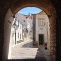 Blick durch das alte Stadttor