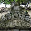 Gedenksteine bei einem Marea