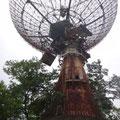 Alte Radarstation am Berg