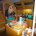 Trotzdem wird unten im Schiff gekocht und gebacken