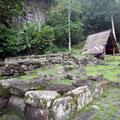 In Pumau an der Ostküste die größten Tikis Polynesiens