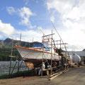 Faszinierendes Bambusgerüst für die Bootsreparatur