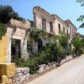 Zerstörte Häuser in Assos
