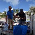 Großeinkauf mit Island Water World