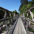 Über abenteuerliche Hängebrücken