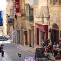 In der Altstadt ist Leben auf den Straßen
