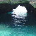 und kleinen Höhlen