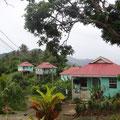 Vorbei an Siedlungen und Dörfern