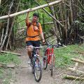 Mit den Rädern im Dschungel