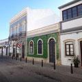 Geflieste Häuser in allen Farben und Mustern