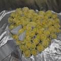 Herz 50 cm, weisse Rosen, Schleierkraut, Schleife weiss