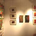 Hava Niknam - 3 tableaux à gauche - composition avec des feuilles de tabac